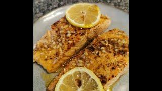 Garlic Butter Pan-Fried Salmon