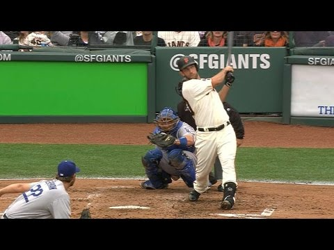 Bumgarner launches a solo blast off Kershaw