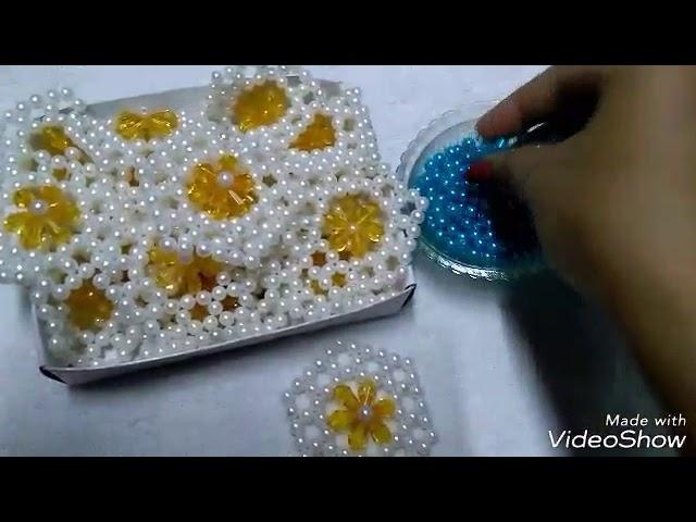 Beads flower design table mat
