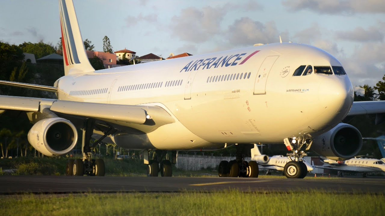 air france a340 close up take off sint maarten youtube. Black Bedroom Furniture Sets. Home Design Ideas