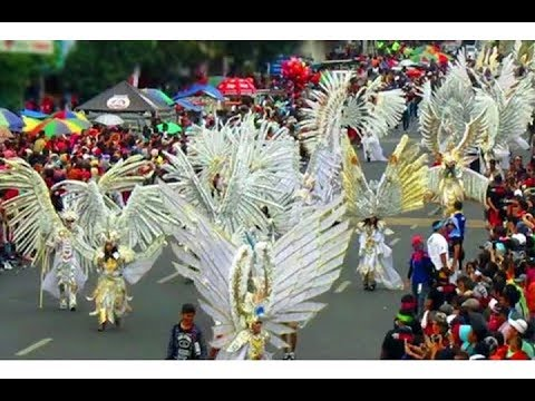 karnaval-kelas-dunia-ini-ada-di-indonesia---jember-fashion-carnaval-2017