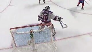 Canadiens take advantage of Lundqvist's broken stick