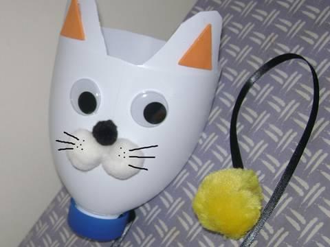 Manualidades de reciclaje como hacer un gato apara bolas - Manualidades para hacer en casa faciles ...