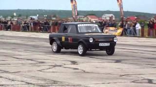 Запорожец против Nissan Skyline(http://avtotrade.kiev.ua/ // Автозапчасти ко всем авто!!!С подбором \\ Кто бы мог подумать что когда не будь запорожец..., 2013-04-25T20:32:19.000Z)