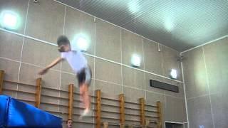 дима логин 9 лет прыжки на батуте 1 взрослый