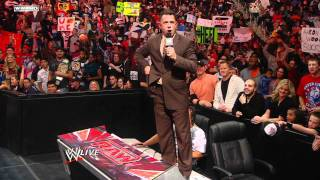 """Raw - Michael Cole reveals the postponement of """"The Michael Cole Challenge"""""""
