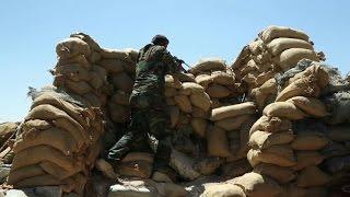 A Sinjar, les Kurdes hésitent à lancer l'assaut contre l'EI