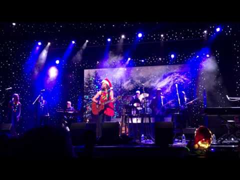 Amy Grant I NEED A SILENT NIGHT Holland America cruise 71417 Christmas in July