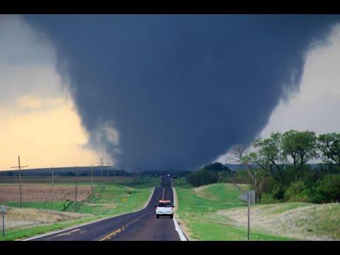 Самые сильные и разрушительные Торнадо