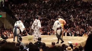 両国国技館 大相撲 遠藤 2017年9月21日 遠藤が勝ち越しを決めた一番.
