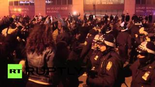 USA: Protesters ruck with police after Eric Garner ruling