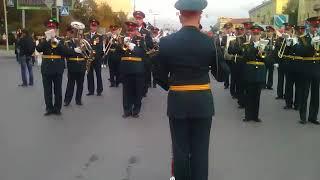 Скачать Оркестр Новосибирского высшего военного училища на юбилее Новосибирской области
