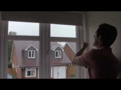 FITTING A BLACKOUT ROLLER BLIND - YouTube - recess fit rolle