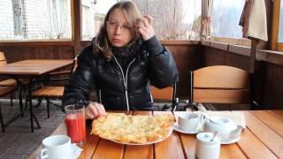 Огромные Козацкие чебуреки , Львов . Giant Kozackie chebureki , Lviv . Львов для вас .