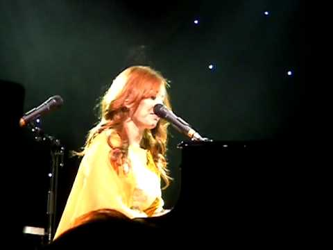 Tori Amos - Take on me (Oslo, 2011)
