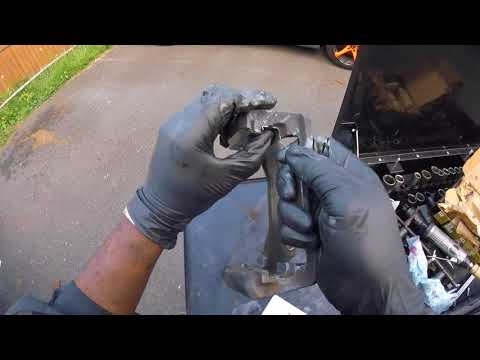 🤷🏾♂️How to replace rear brake pads and rotors on 2008 Buick Enclave : Philadelphia👌