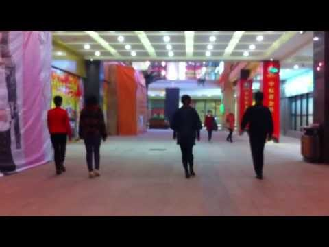 A beautiful moment in Kaifeng mall