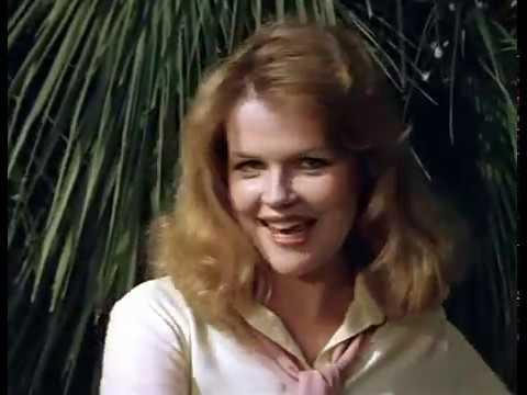 09 — «Ведьма-речка», песня из фильма «Чародеи», 1982