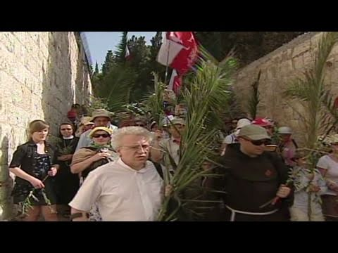 Palm Sunday traditions: What do Christians celebrate? - CNN