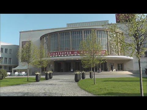 »Ich hatte schon immer ein gewisses Vertrauen zur Oper« Staatsoper im Schiller Theater 2010 - 2017