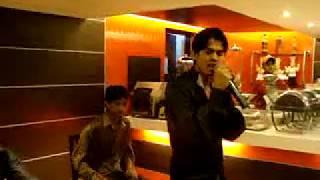 Dhage Tod  Laao Chandani se.... Bol_Na_halke_halke_LIVE Singing by VIVEK