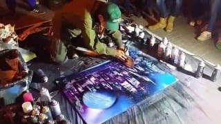 Уличный художник на Арбате рисует в стиле Spray paint art. Очень круто!(Удивительная техника рисования spray paint art. Вы получите невероятное удовольствие от просмотра этого видео...., 2016-05-09T15:31:51.000Z)