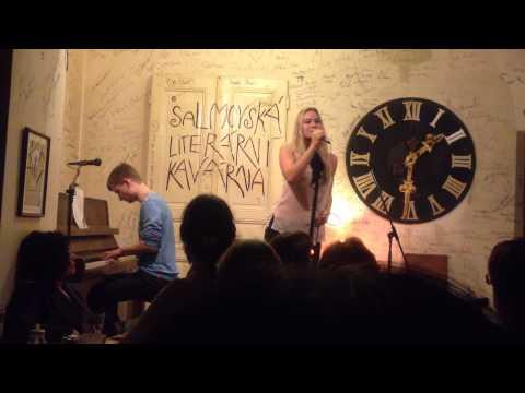 20130924 Sdruzeni dobrovolnych sansonieru, Salmovska literarni kavarna  Barbora Mottlova