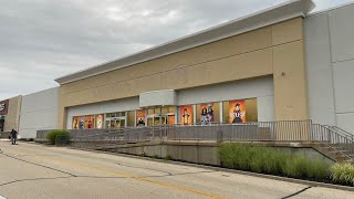 """The old Toys """"R"""" Us building is becoming a Spirit Halloween again for this year in Cincinnati Ohio"""