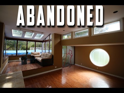Abandoned / Vacant Luxury Mansion in Rich neighborhood