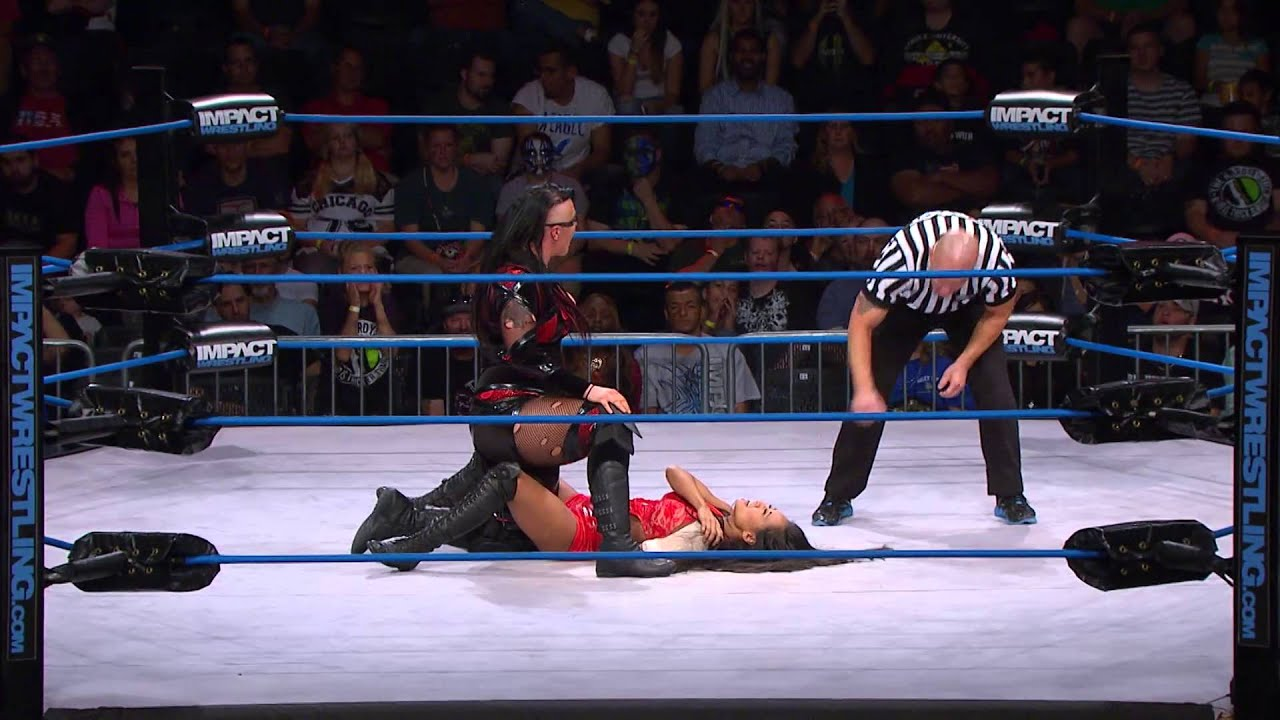 Nikki bella vs total divas cast wwe main event 2014 - 4 6