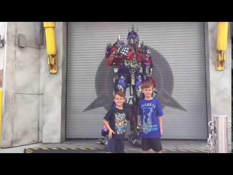 Optimus Prime at Universal Studios!!!