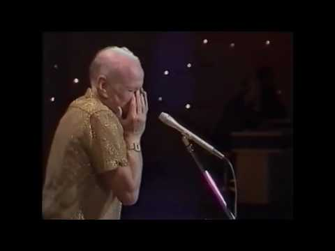 Ian Evans performs on Potluck