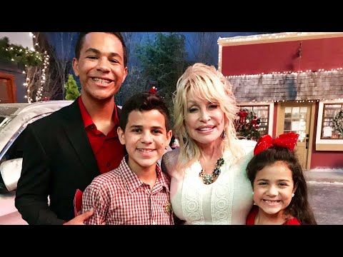9-Year-Olds-Life-Saved-By-Dolly-Parton-on-Movie-Set