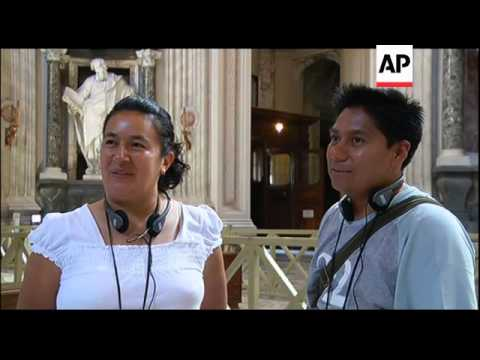 Vatican uses iPods for tourist guides