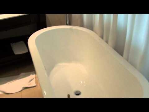 Privacy Please! Worst Hotel Bathroom Design Ever?