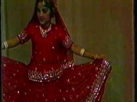 طفلة هندية موهوبة thumbnail