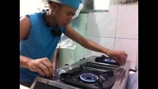 LOW BUDGET DJ