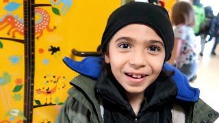 اول يوم جورجيو يروح المدرسة الجديدة | عائلة تالين تيوب