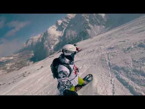 Спуск на сноуборде с горы Чегет. Минутный ролик.
