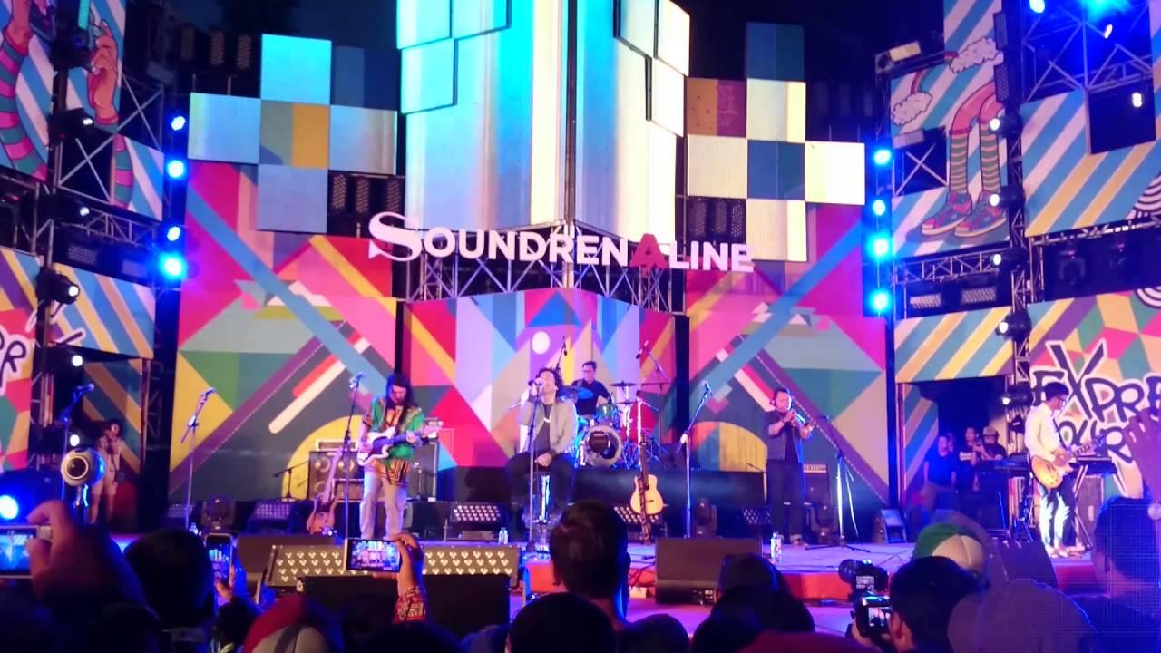 efek-rumah-kaca-sebelah-mata-live-at-soundrenaline-2016-andi-wibawa
