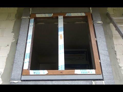Montaż okien na konsolach, poza licem muru