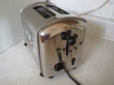 Mickey Mouse Mornin musical toaster
