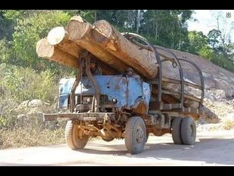 Нелегкий труд грузовиков на бездорожье Севера ВИДЕО