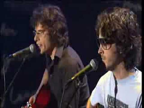 flight-of-the-conchords-robots-live-thebluesboxchannel