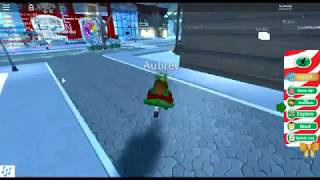 ROBLOX New Update in Royale High!!!! Mr.Grinch Roleplay!!!!