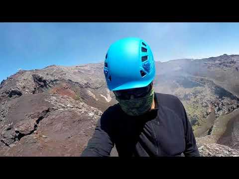 Villarrica Volcano . Crater volcan villarrica