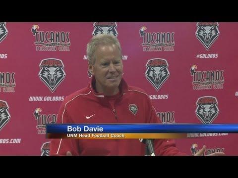 New Mexico extends Bob Davie