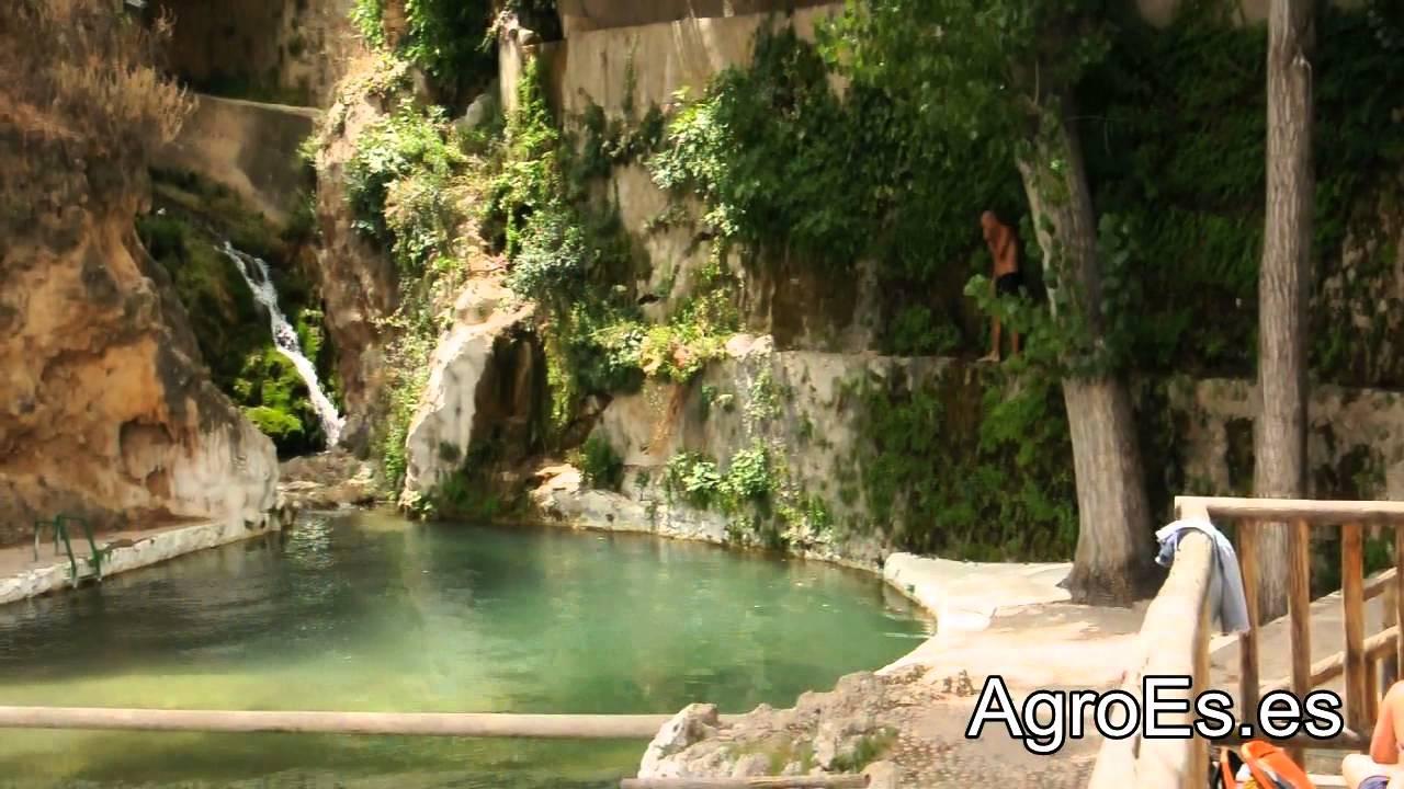 Piscina natural de manantial en letur youtube for Piscina natural de riosequillo