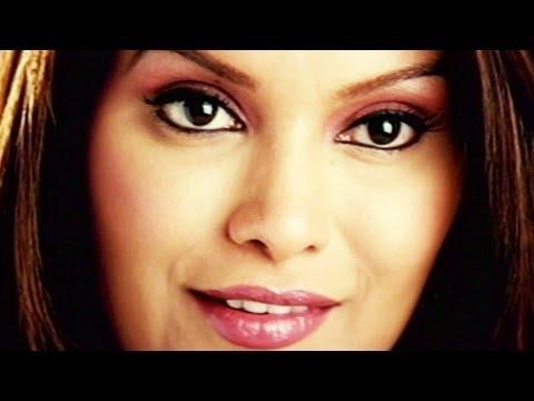 Sare Chehron Se Hatke Hai Chehra Tera - Diana Hayden, Ab Bas Romantic Song