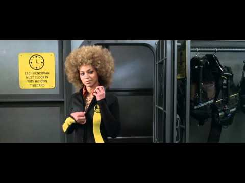 Austin Powers In Goldmember (Mini Me Fuck's Beyonce Knowles)
